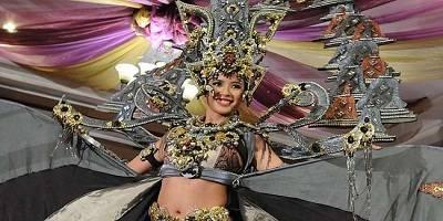 Elvira Devinamira Pemenang Kategori Kostum Nasional Terbaik Best National Costume