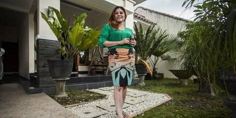 Kumpulan Foto Wina Lia Janda Cantik Beli Rumah Dapat Pemiliknya
