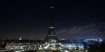 Sejarah dan Hal Unik Mengenai Menara Eiffel Tower