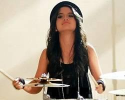 Drummer Wanita Paling Cantik di Indonesia