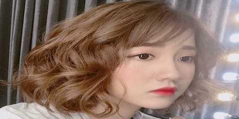 Model Gaya Rambut Pendek Wanita Sebahu